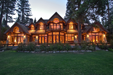 Spectacular Lakefront Estate