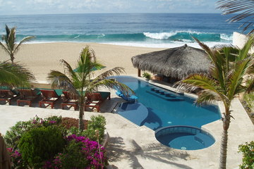 Beachfront Pedregal Villa